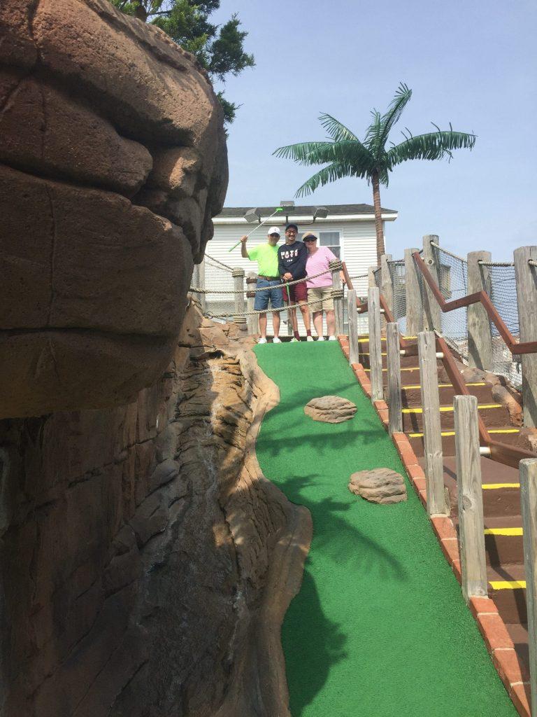 family at pirates island mini golf avalon new jersey