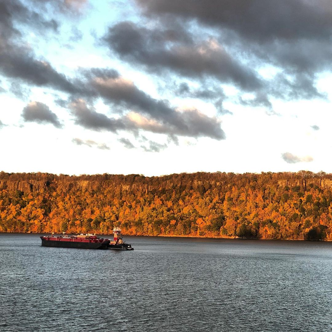 Good morning Fall on the Hudson River